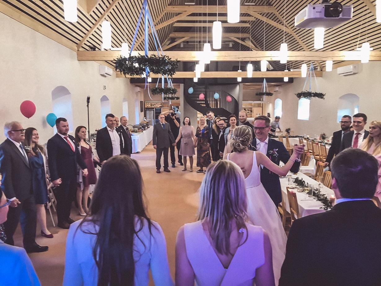 Hudba na svatbu statek Benice